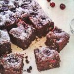 Csokoládés-meggyes brownie